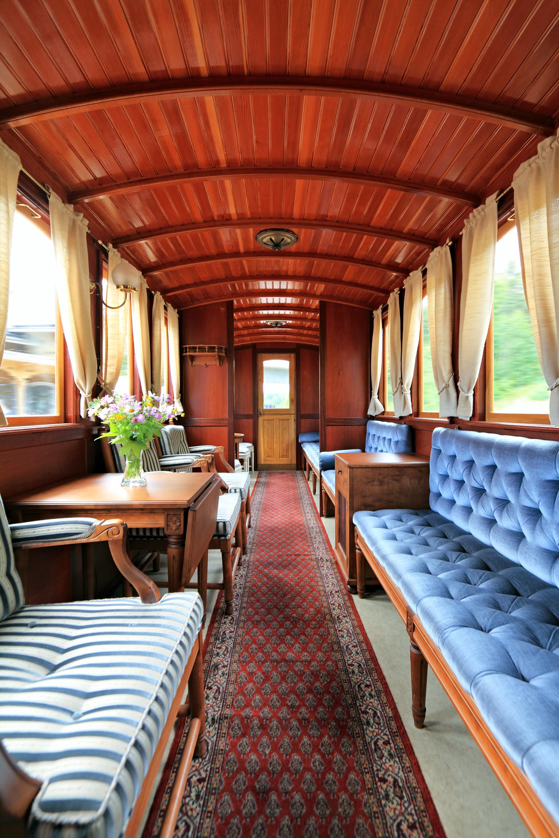 Vieil intérieur de train