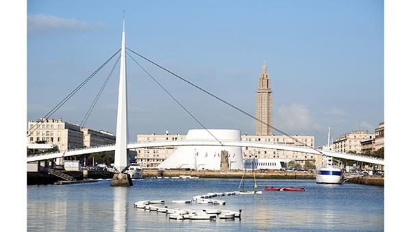 Ville du Havre, architecture Perret (et Niemeyer pour le Volcan, en blanc)